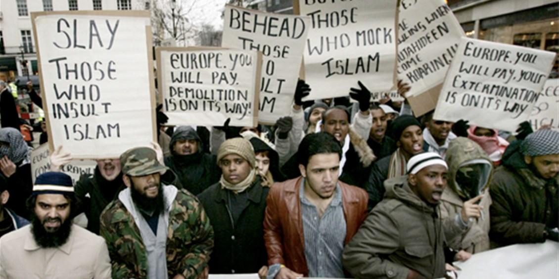 Una bellissima notizia: il premio Nobel per la pace all'Unione Europea (impegnata nell'islamizzazione dell'Europa!)